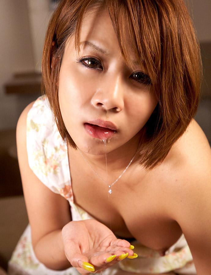 【口内発射エロ画像】女の子の口内で果てる至福のとき!口内発射画像! 02