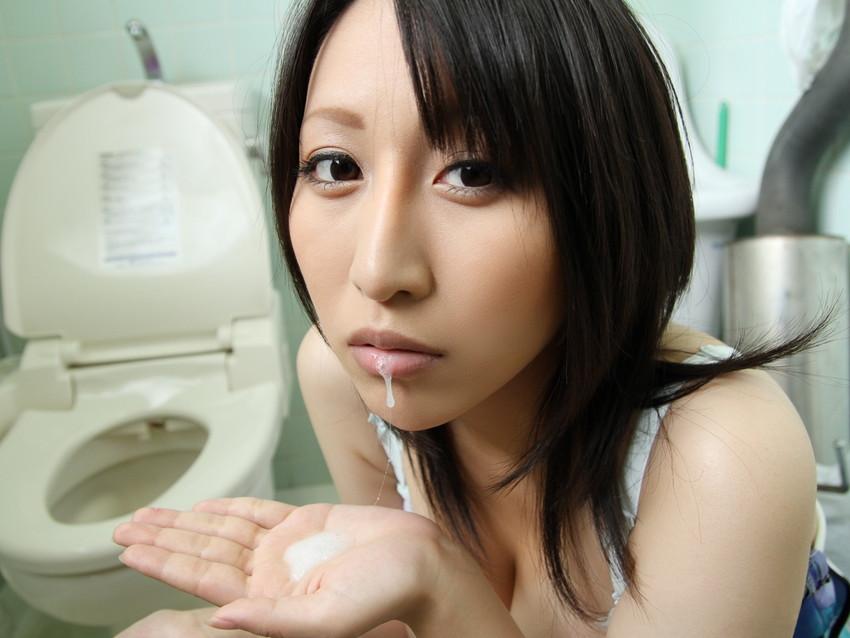 【口内発射エロ画像】女の子の口内で果てる至福のとき!口内発射画像! 25