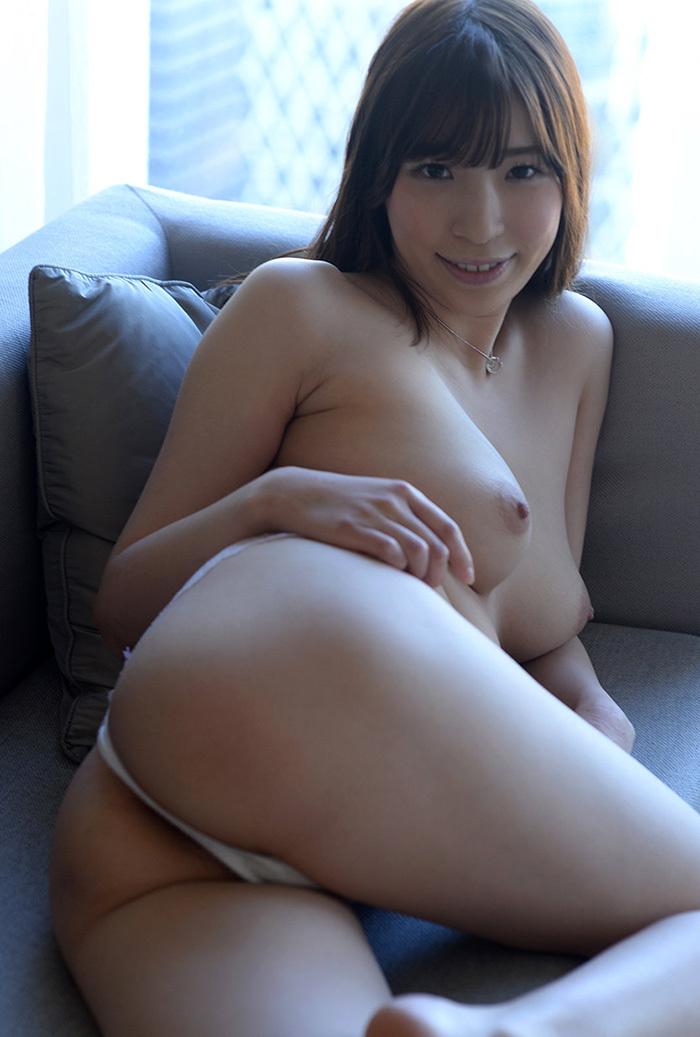 【Tバックエロ画像】美尻の女の子に絶対はいてもらいたいパンティーがこちらwww 35