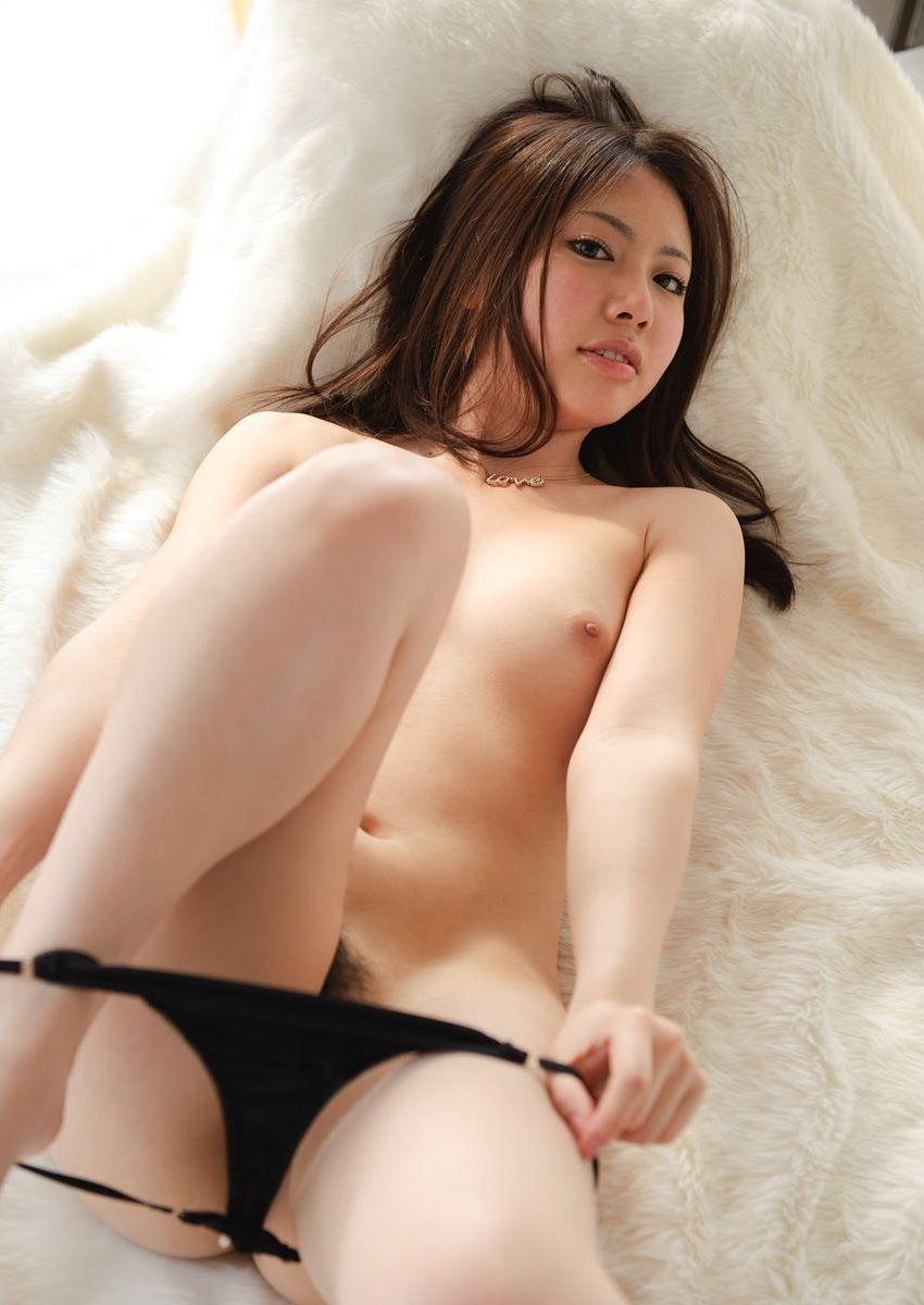 【パンツ半脱ぎエロ画像】女の子がパンツをスルリ…この瞬間が堪らない!www 14