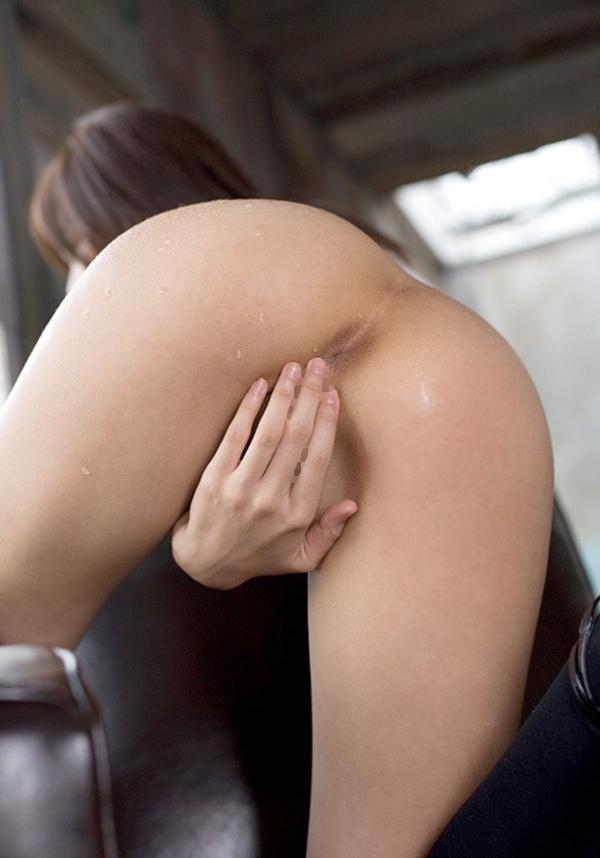 【アナルエロ画像】アナルが丸見え!これってめちゃめちゃ恥ずかしいんじゃ? 15