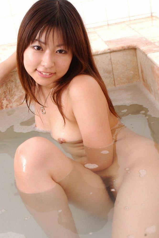 【入浴エロ画像】日常で女の子が最も全裸になる確率が高い瞬間!www 08
