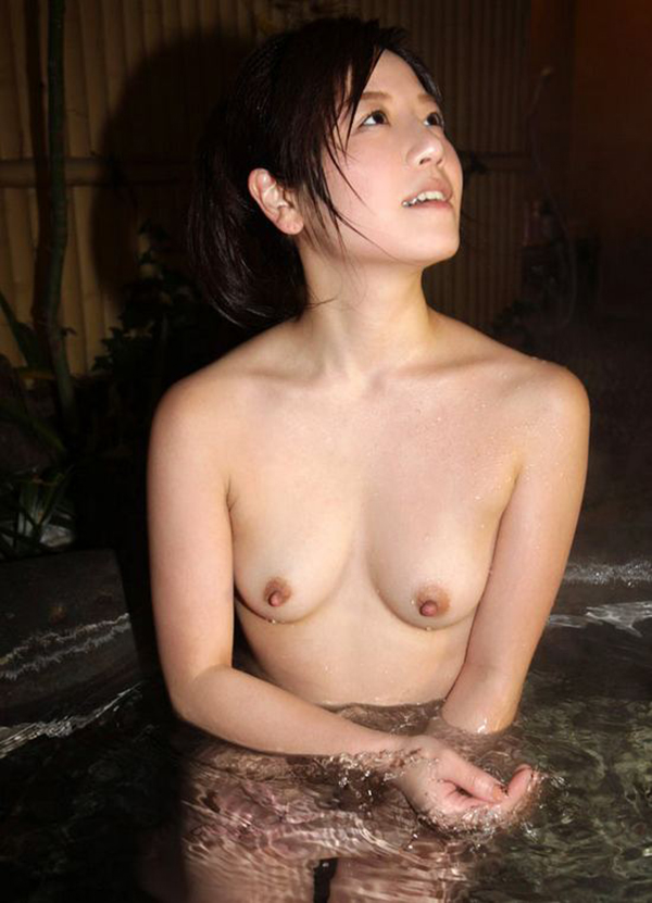 【入浴エロ画像】日常で女の子が最も全裸になる確率が高い瞬間!www 21
