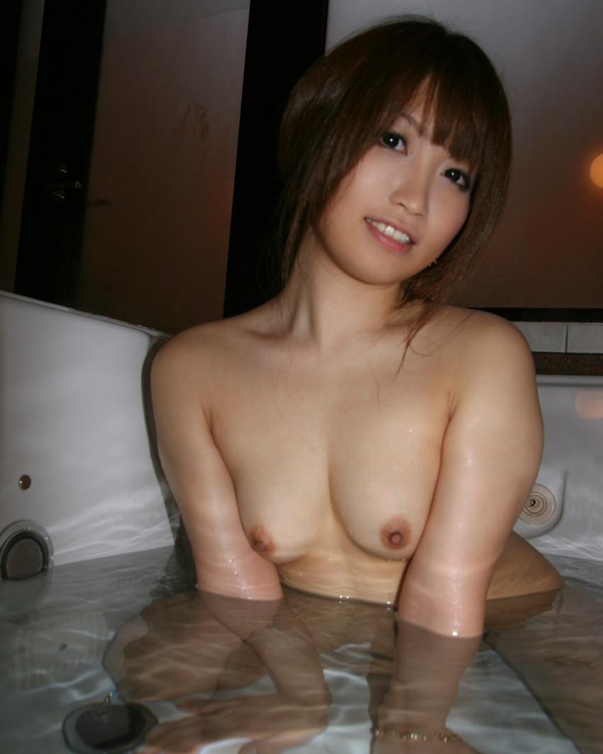 【入浴エロ画像】日常で女の子が最も全裸になる確率が高い瞬間!www 26