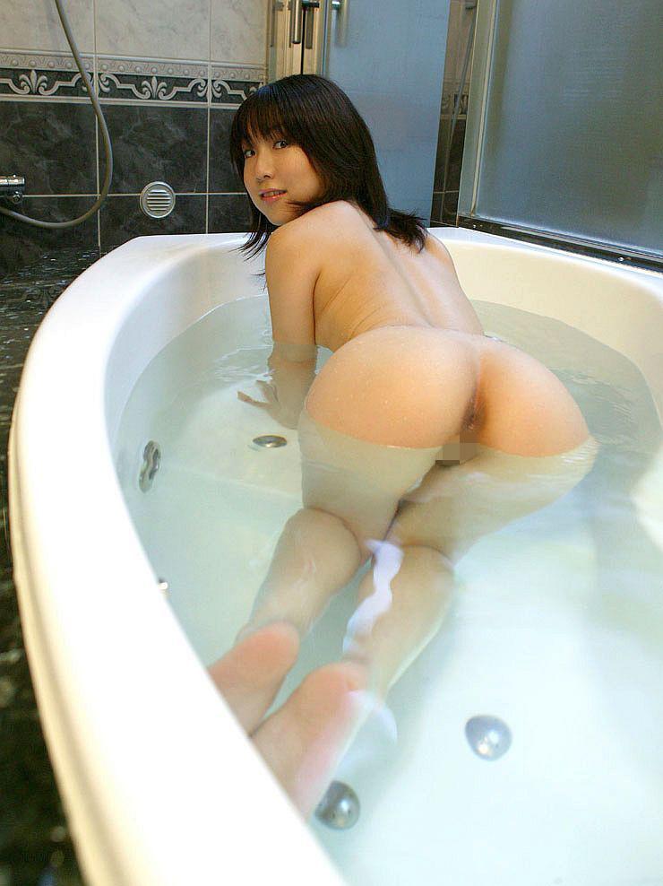 【入浴エロ画像】日常で女の子が最も全裸になる確率が高い瞬間!www 35