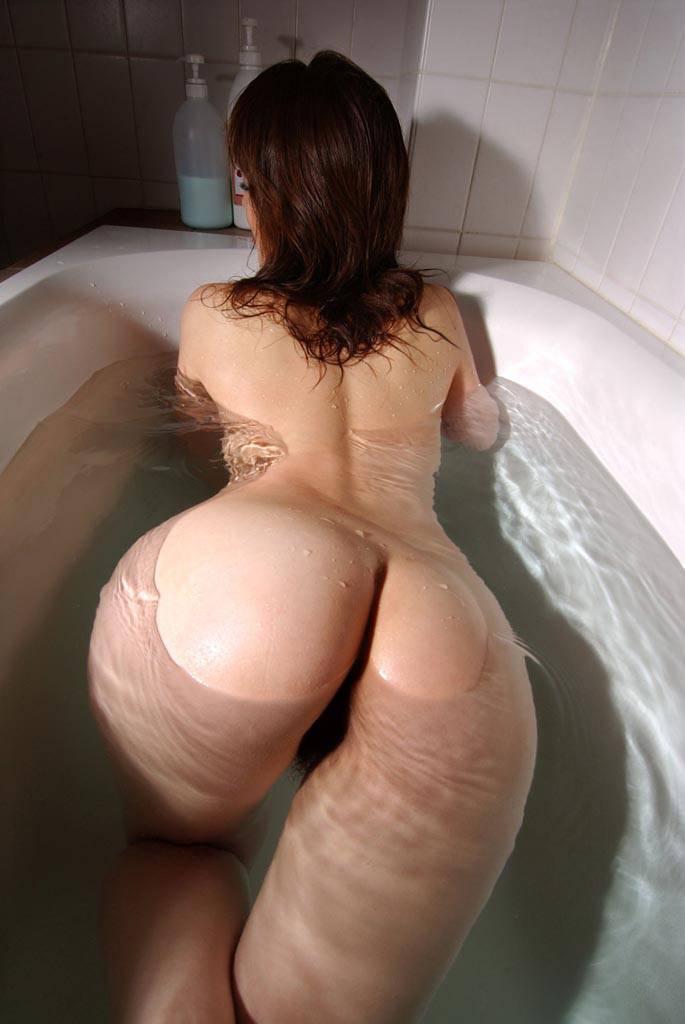 【入浴エロ画像】日常で女の子が最も全裸になる確率が高い瞬間!www 66