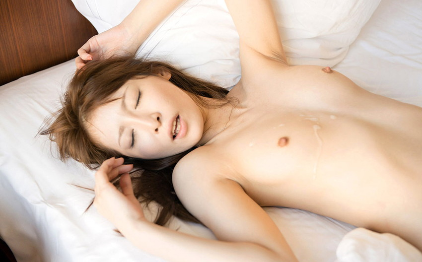 【射精エロ画像】これはセックス事後!?ザーメントッピングされた女子www 43