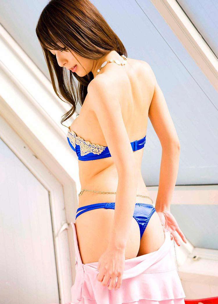 【Tバックエロ画像】Tバックパンティーを履いた女の子のお尻!たまんねぇ~www 26