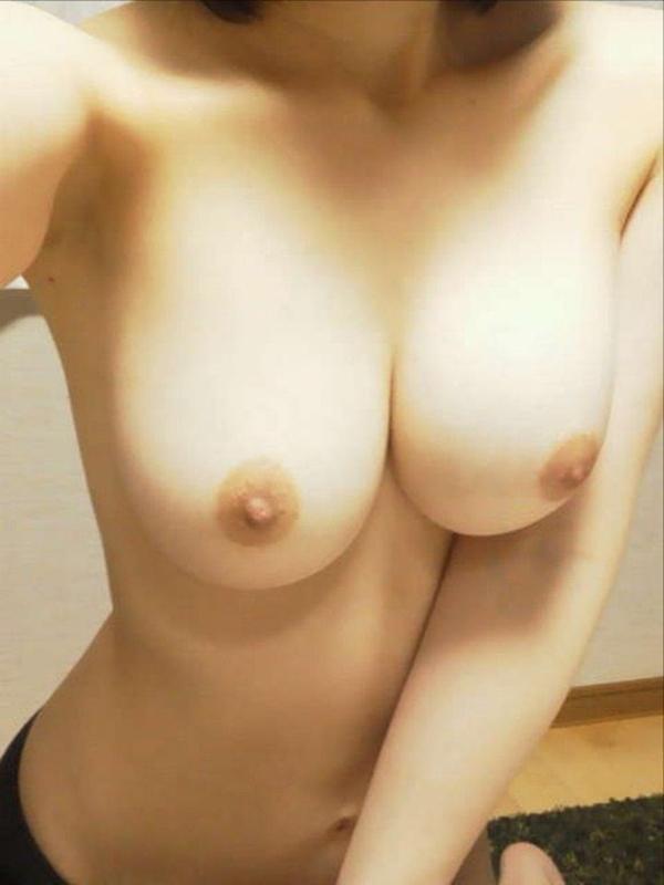 【自撮りエロ画像】めっちゃ生々しいから抜ける!女の子の自撮り画像がエロッ! 09