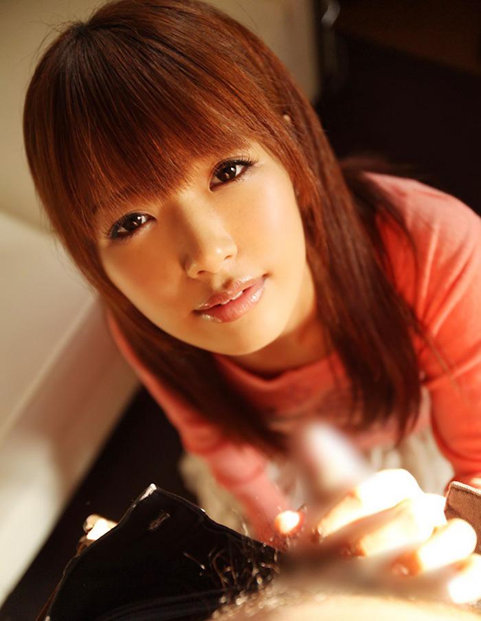 【手コキエロ画像】手コキでシコシコ…意外にも気持ちいい女の子による手コキ! 67