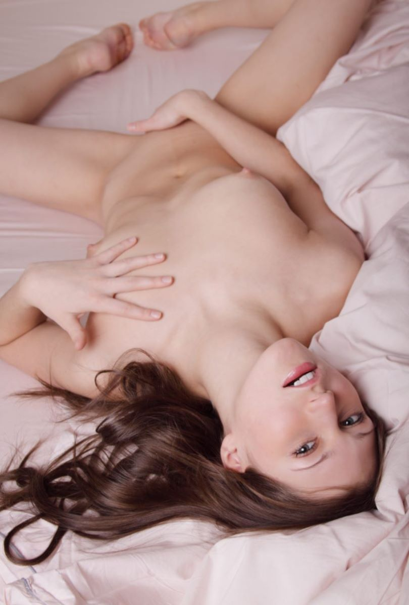 【白人ヌードエロ画像】見とれてしまうほど美しい白人美女たちのヌード画像! 44
