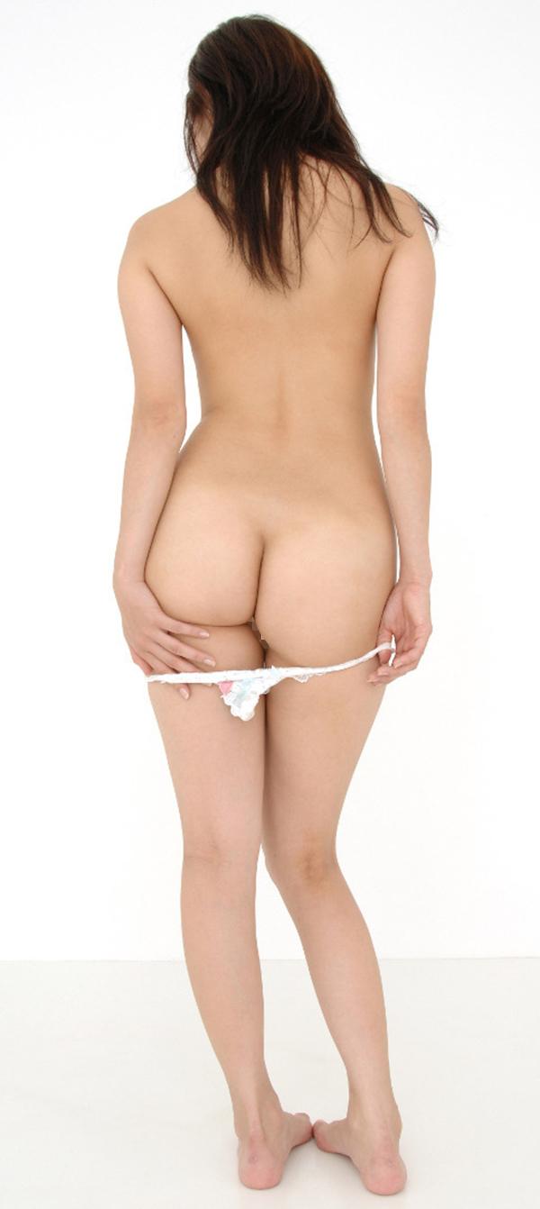 【パンツ半脱ぎエロ画像】脱ぎかけたパンティー!フェチ心が刺激されるパンツ半脱ぎ! 68