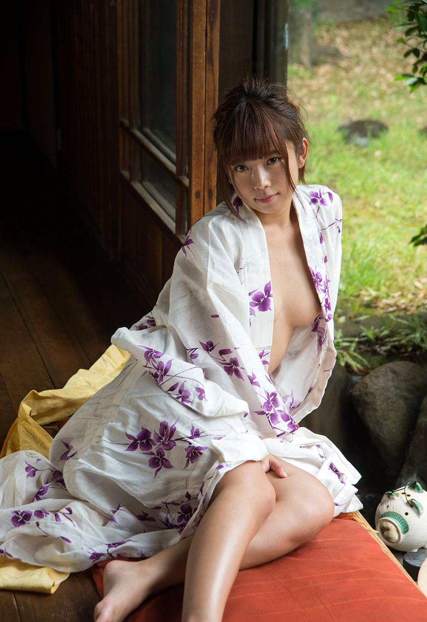 【和服エロ画像】和服姿の女の子たちのエッチすぎる画像集めたら勃起した! 35