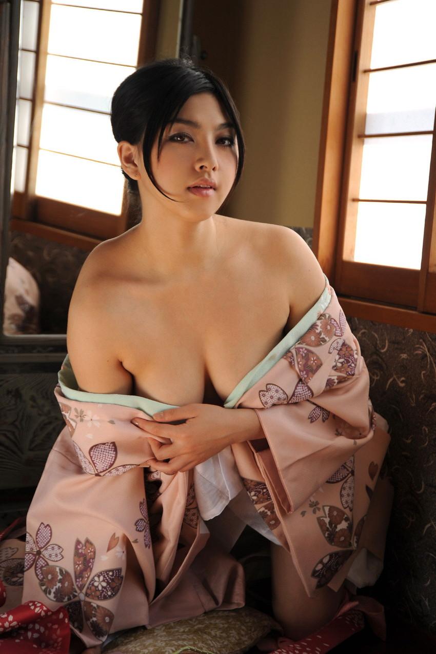 【和服エロ画像】和服姿の女の子たちのエッチすぎる画像集めたら勃起した! 75