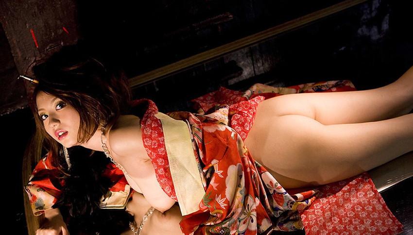 【和服エロ画像】和服姿の女の子たちのエッチすぎる画像集めたら勃起した! 82
