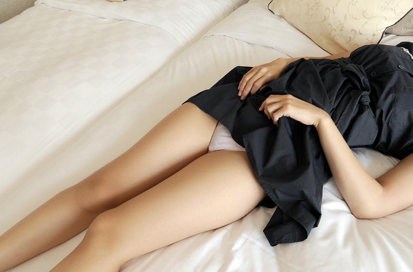 【美脚エロ画像】ため息がこぼれるほど美しい脚線美に見とれてしまうやんけ! 10