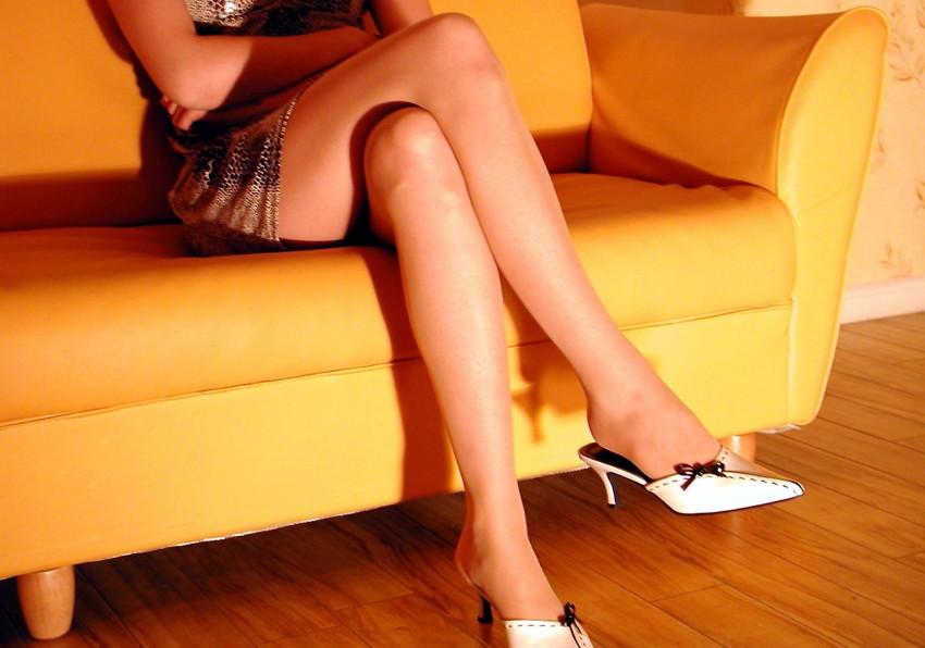 【美脚エロ画像】ため息がこぼれるほど美しい脚線美に見とれてしまうやんけ! 23