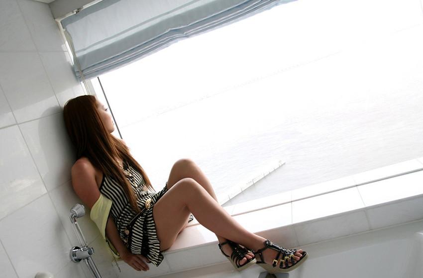 【美脚エロ画像】ため息がこぼれるほど美しい脚線美に見とれてしまうやんけ! 39