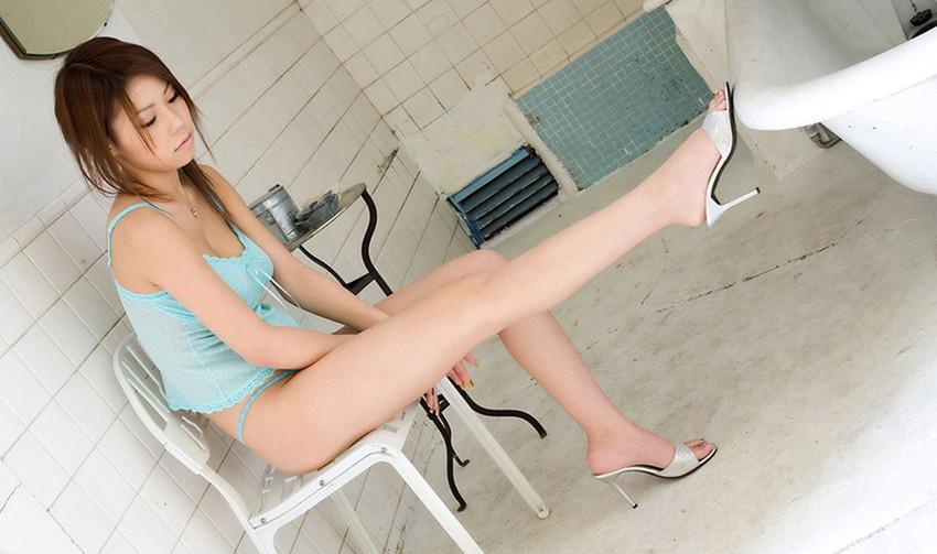 【美脚エロ画像】ため息がこぼれるほど美しい脚線美に見とれてしまうやんけ! 61