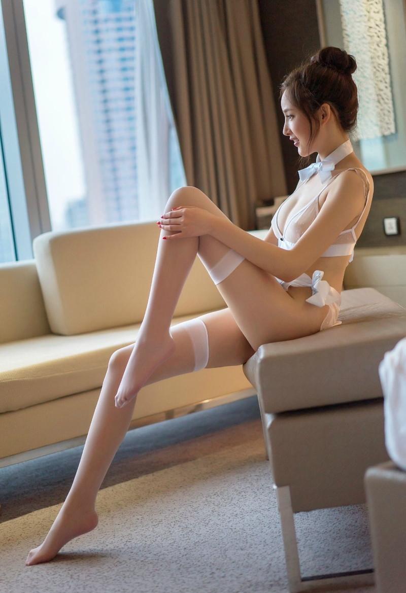 【美脚エロ画像】ため息がこぼれるほど美しい脚線美に見とれてしまうやんけ! 71