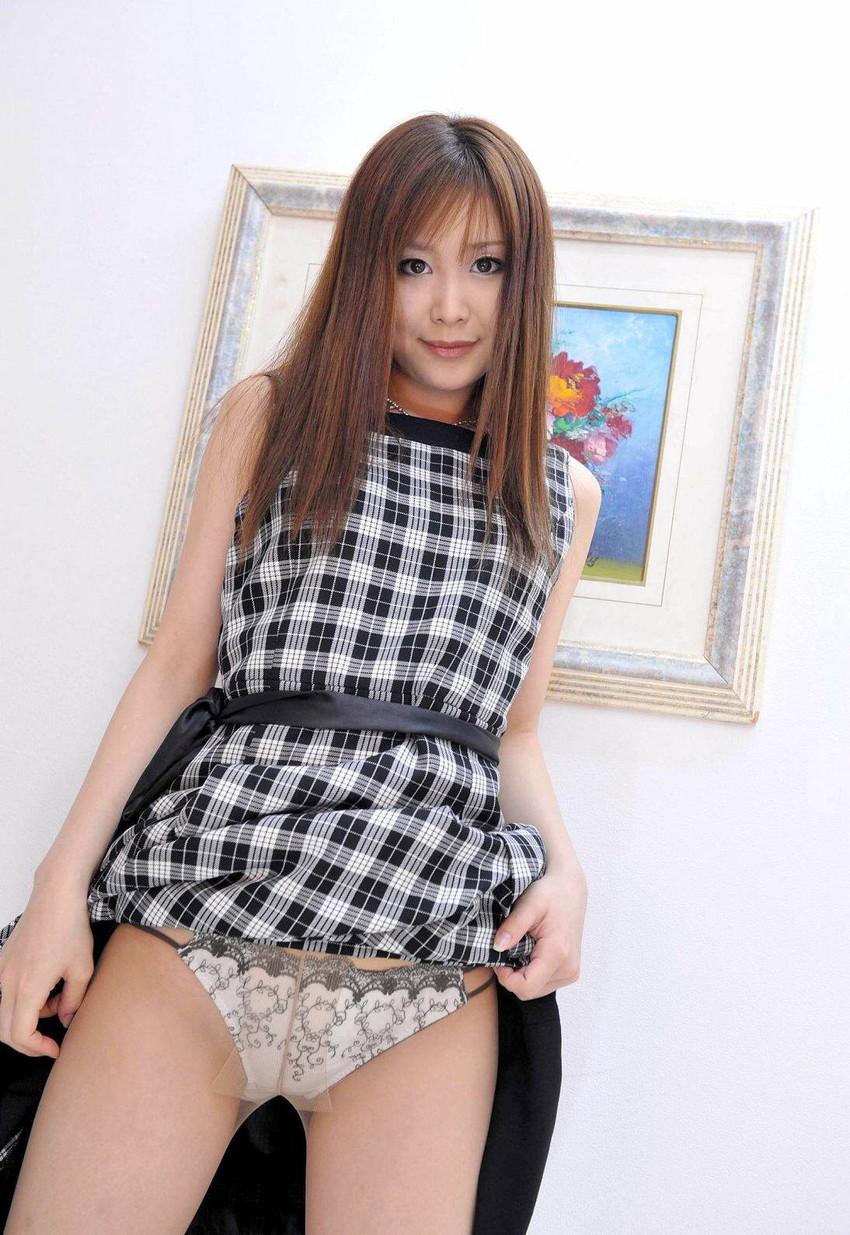 【セルフパンチラエロ画像】自らスカートの中を見せてくれるマジ天使!wwww 57