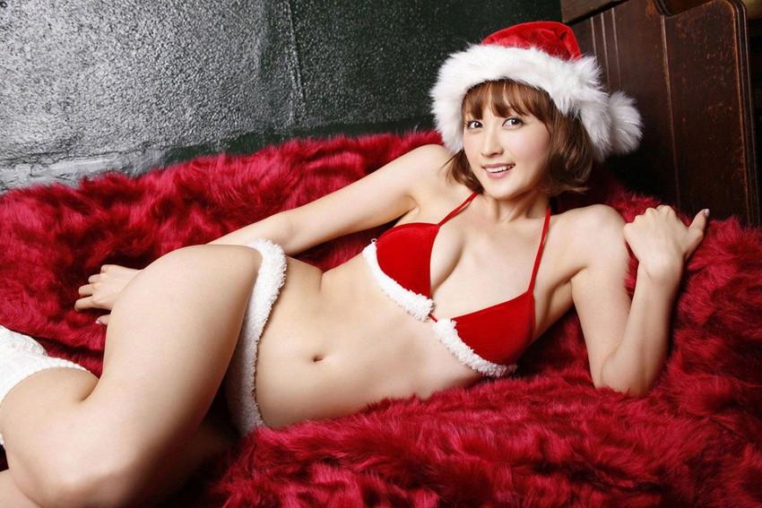 【サンタコスエロ画像】こんなサンタがクリスマスに訪ねてきたら勃起不可避! 25