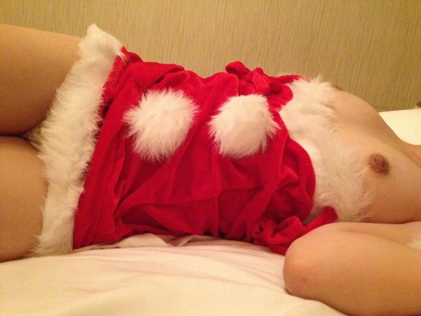 【サンタコスエロ画像】こんなサンタがクリスマスに訪ねてきたら勃起不可避! 31