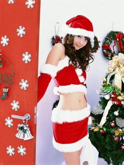 【サンタコスエロ画像】こんなサンタがクリスマスに訪ねてきたら勃起不可避! 10