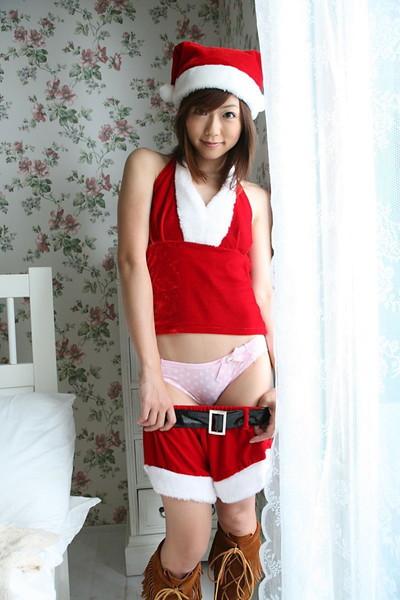 【サンタコスエロ画像】こんなサンタがクリスマスに訪ねてきたら勃起不可避! 16
