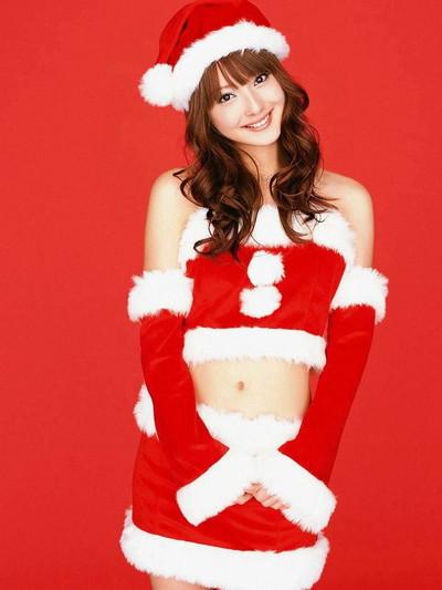 【サンタコスエロ画像】こんなサンタがクリスマスに訪ねてきたら勃起不可避! 35