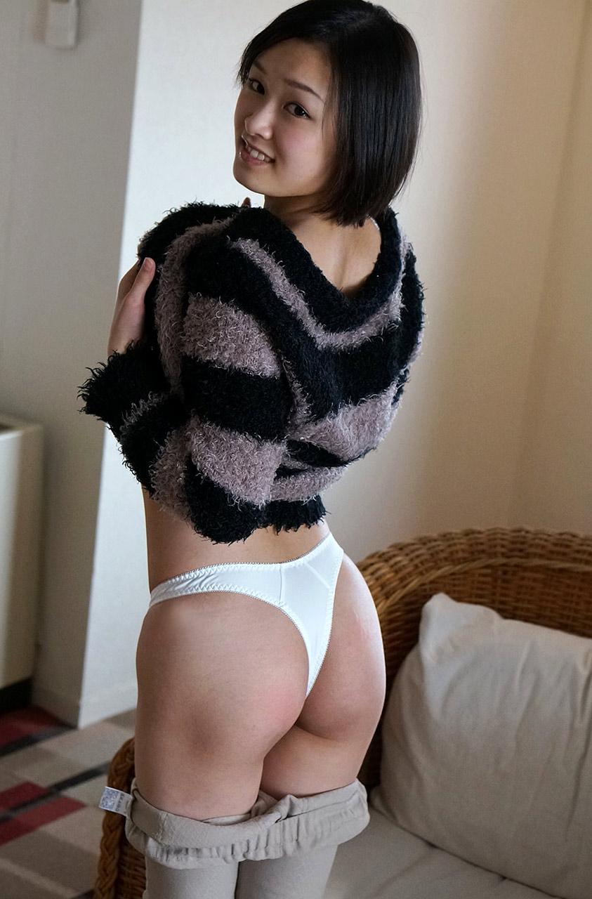 【Tバックエロ画像】女の子のお尻はやっぱり美しく演出されているに限るだろ!? 48