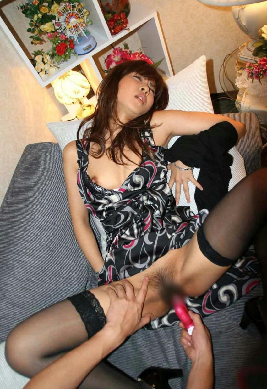 【バイブ責めエロ画像】震える!ウネる!バイブレーターの快感の虜の女たち! 09