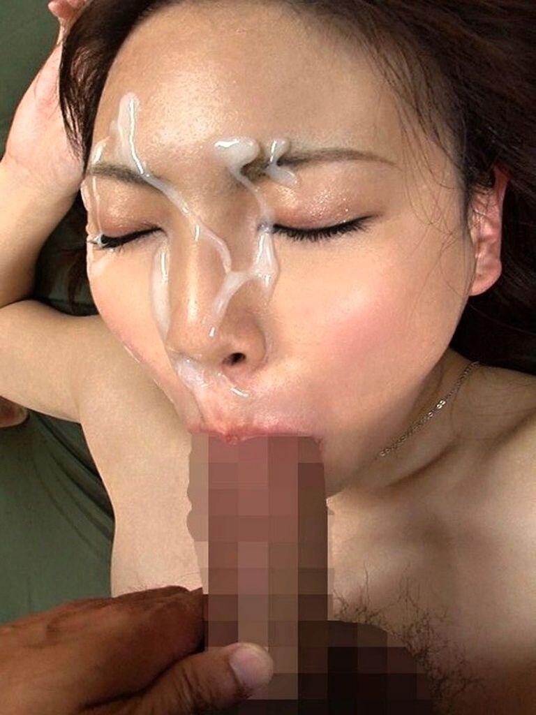【顔射エロ画像】やっぱりエロい!顔中をザーメンだらけにされた女の子たちの卑猥な姿! 18
