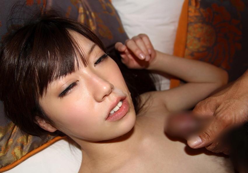 【顔射エロ画像】やっぱりエロい!顔中をザーメンだらけにされた女の子たちの卑猥な姿! 42