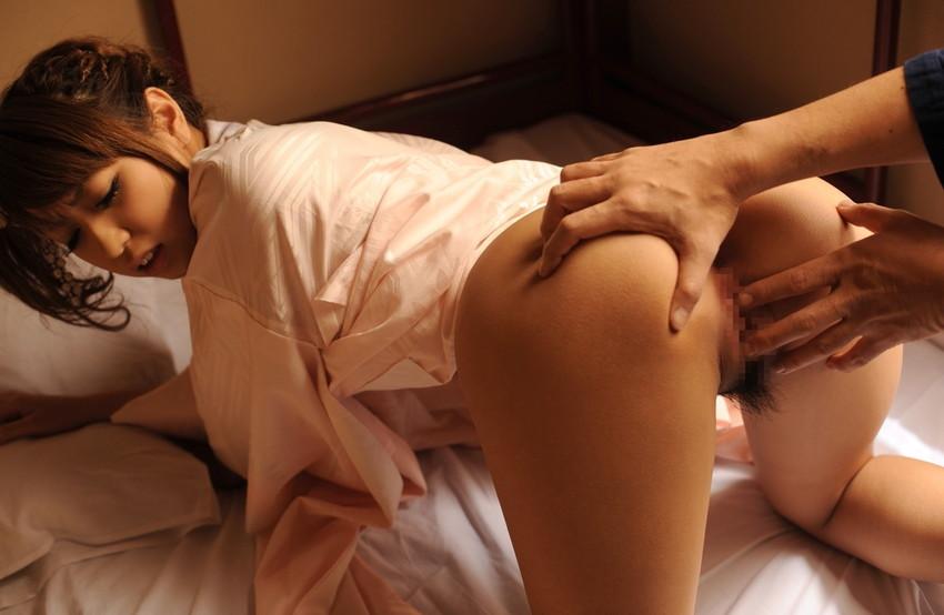 【手マンエロ画像】濡れ濡れのオマンコを指で弄る!手マンをテーマに集めたエロ画像 29