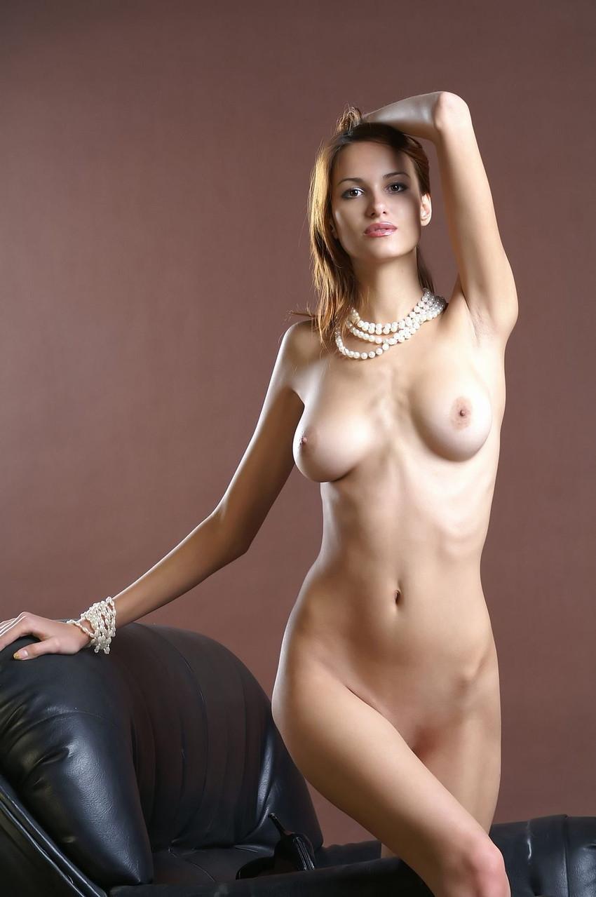 【海外美乳エロ画像】海外美女たちの美しすぎる美乳にフル勃起確定! 38