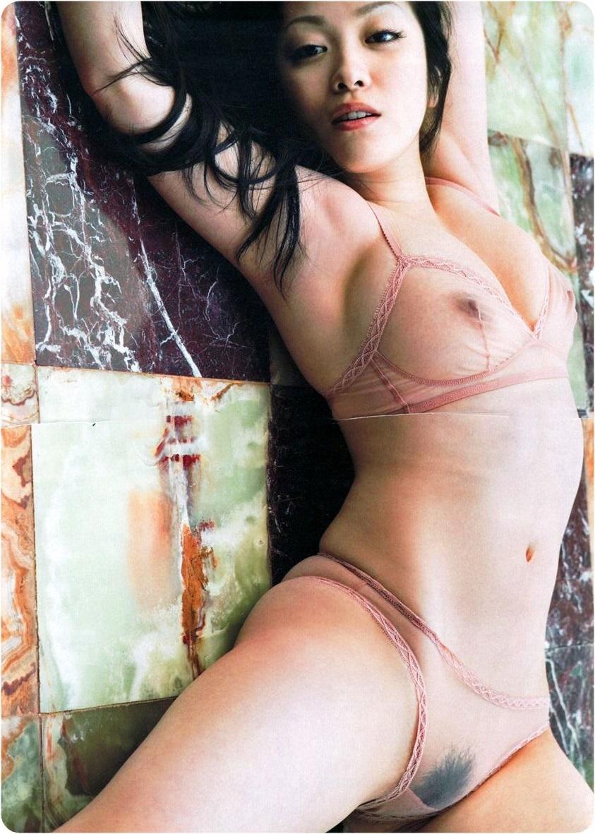 【透け下着エロ画像】まるで隠せていない破廉恥すぎる下着の画像がこちらwww 02