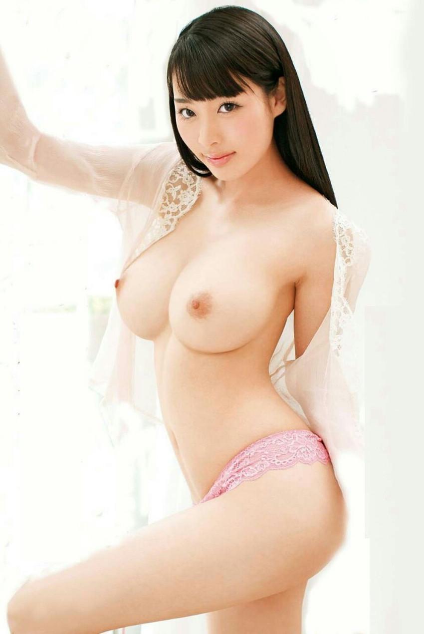 【美乳エロ画像】綺麗過ぎるおっぱいの魅力に勃起不可避な画像 50