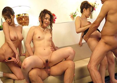 【複数プレイエロ画像】複数人の男女が集まってまとめてセックスした結果w