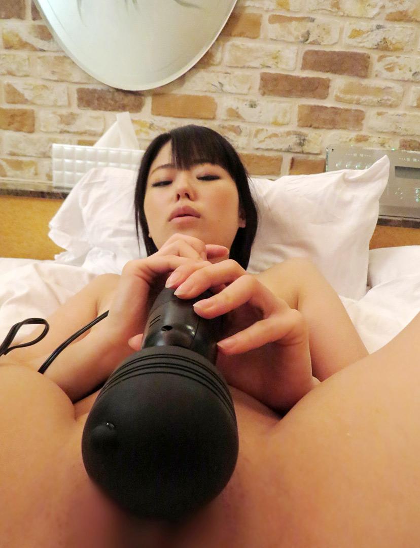 【電マオナニーエロ画像】電マの超しびれる刺激に股間を濡らしてイキまくり! 44