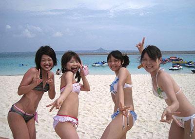 【素人水着エロ画像】こんな寒い時期だけど夏の素人の女の子たちの水着が見たい!w