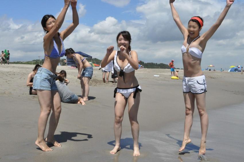 【素人水着エロ画像】こんな寒い時期だけど夏の素人の女の子たちの水着が見たい!w 11