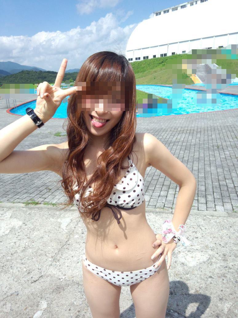 【素人水着エロ画像】こんな寒い時期だけど夏の素人の女の子たちの水着が見たい!w 20