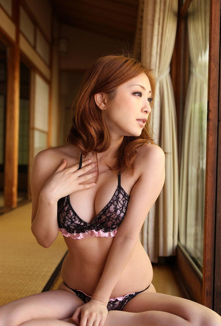 【セクシーランジェリーエロ画像】これじゃ全裸と大差ない!?セクシーすぎる下着! 09