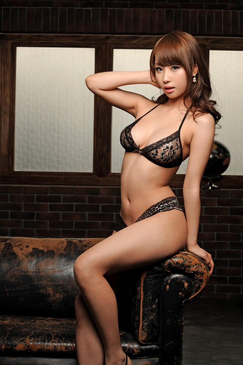 【セクシーランジェリーエロ画像】これじゃ全裸と大差ない!?セクシーすぎる下着! 19