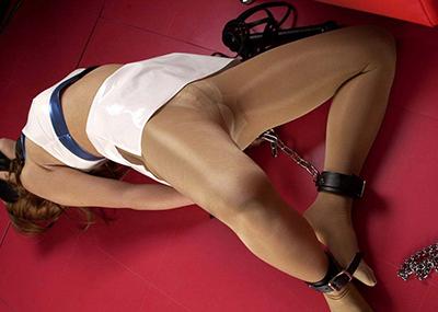 【緊縛プレイエロ画像】ロープ、拘束具で女の子の自由を奪った結果エロかったwww