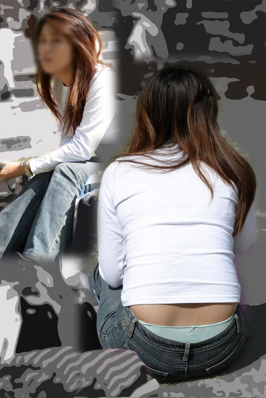 【ローライズエロ画像】パンチラ?パンモロ?判断の難しいローライズファッションwww 28