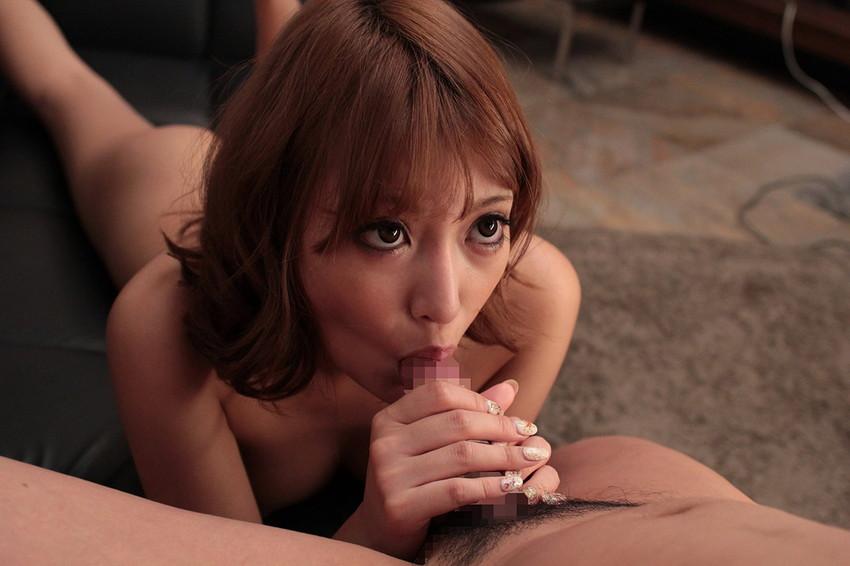 【全裸フェラエロ画像】チンポ挿入直前の全裸でフェラチオする女たち! 24
